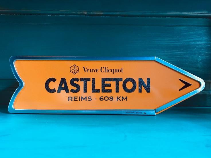 castletonhousechampagneroomderail5
